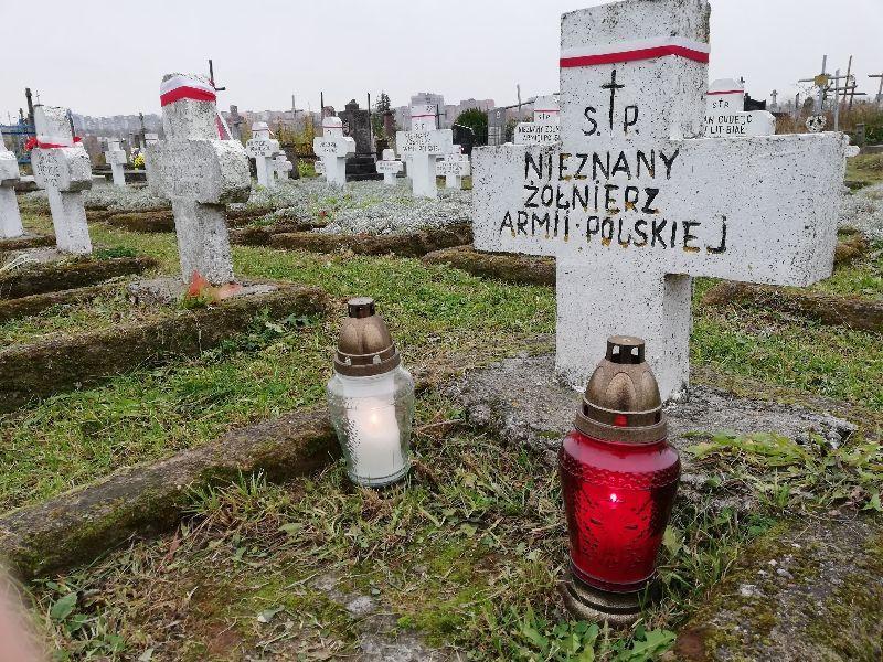 Felietony historyczne, Światełko bohaterów - zdjęcie, fotografia