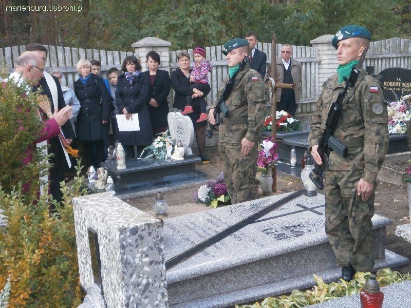 Imprezy historyczne, Grób obrońcy Twierdzy Modlin - zdjęcie, fotografia