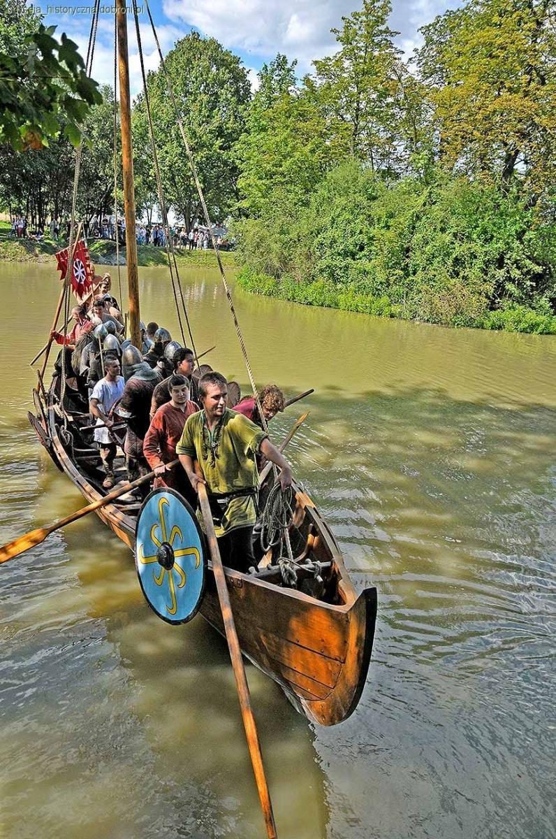 Imprezy historyczne, Odyseja dobiła brzegu - zdjęcie, fotografia