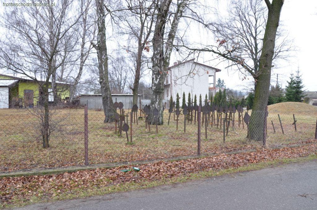 Eksploracje, Grabów Pilicą cmentarz wojny - zdjęcie, fotografia