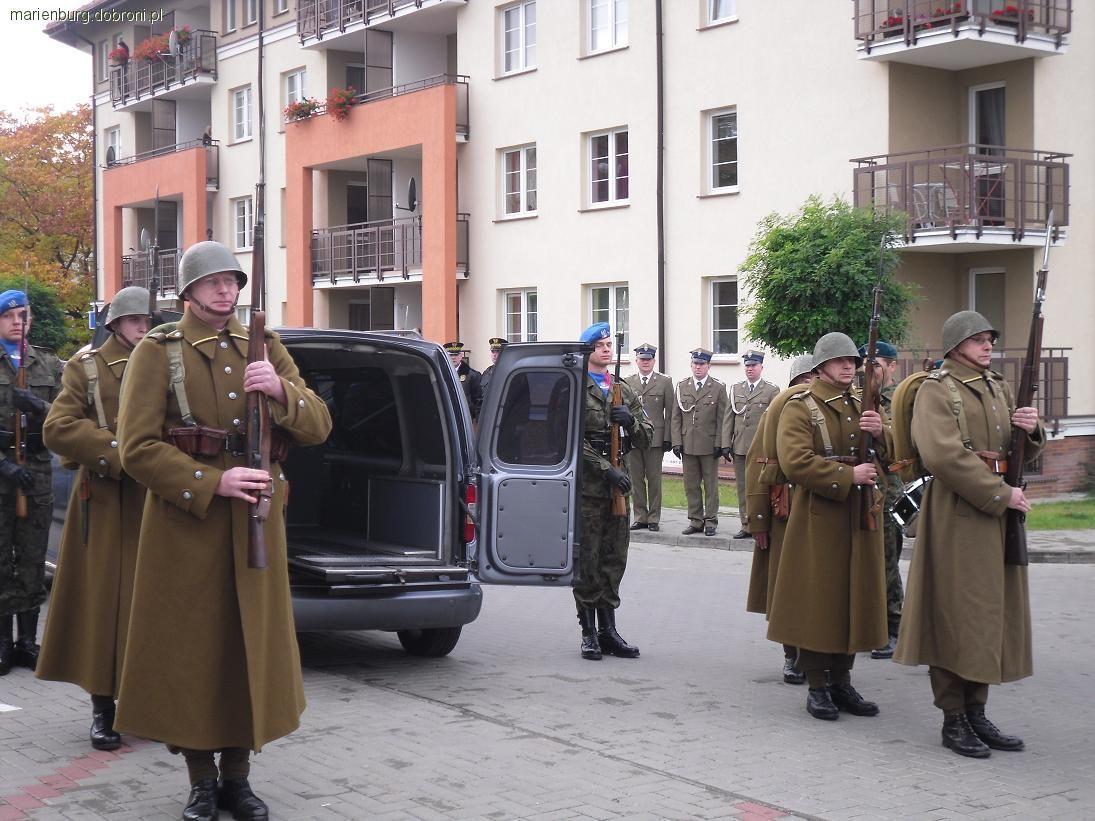 Wspomnienia, Ostróda pożegnanie przedostatniego Westerplattczyka Leleja - zdjęcie, fotografia