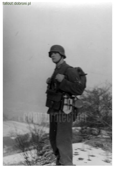 Publikacje, Żołnierz drużyny łączności telefonicznej Wehrmachtu/Waffen - zdjęcie, fotografia