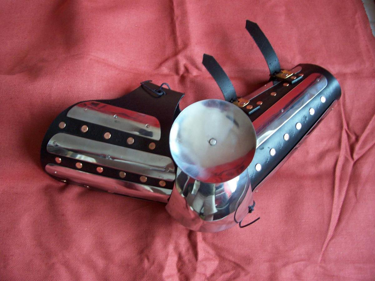 Zbroje kolczugi tarcze, Hartowane zbrojnikowe osłony - zdjęcie, fotografia