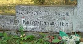 Żelazna Rządowa - pomnik partyzantów.