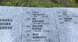 Żołnierze Września na cmentarzu w Kołobrzegu