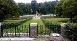 Cmentarz wojenny Mook.