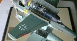 1:32 Heinkel He 162 A Salamander