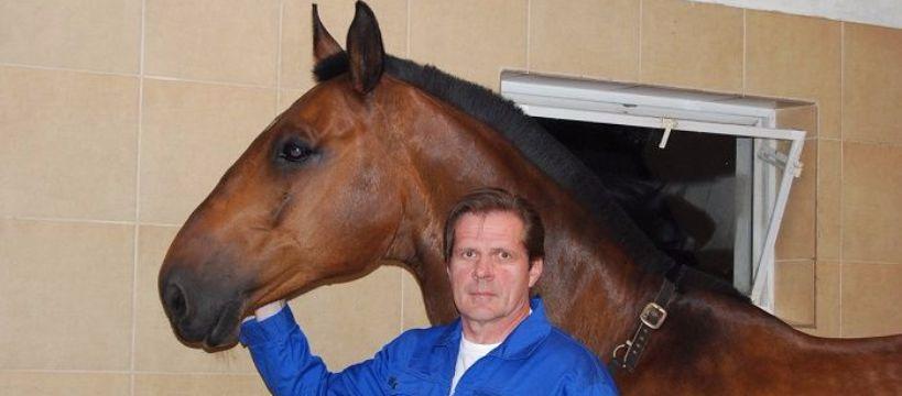 Kowalstwo koni, Podkuwacz ortopeda Alfred Wrzeszcz - zdjęcie, fotografia