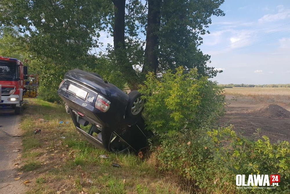 Wypadki drogowe, Pijany prowadził samochód doprowdził wypadku - zdjęcie, fotografia