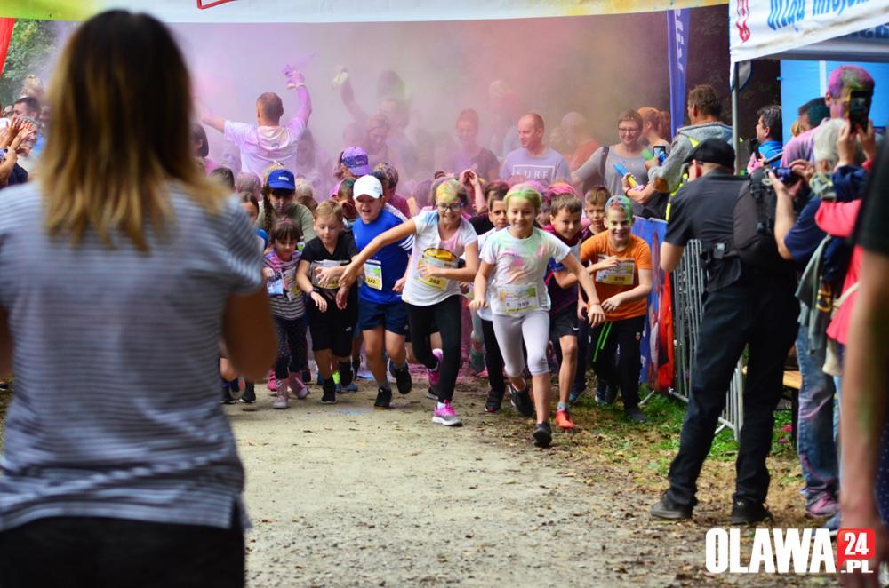 Bieganie, Kolorowo sportowo podczas biegu dzieci [ZDJĘCIA] - zdjęcie, fotografia