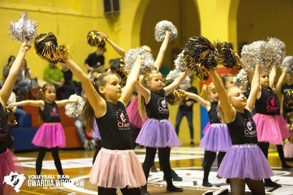 Taniec, Akademia Cheerleaderek zaprasza najlepsze zajęcia taneczne pomponami akrobatykę - zdjęcie, fotografia