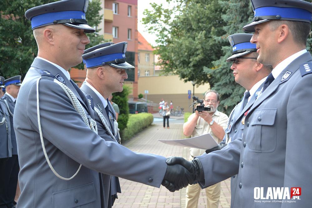 Akcje, Awanse odznaczenia podczas święta policji Oławie - zdjęcie, fotografia