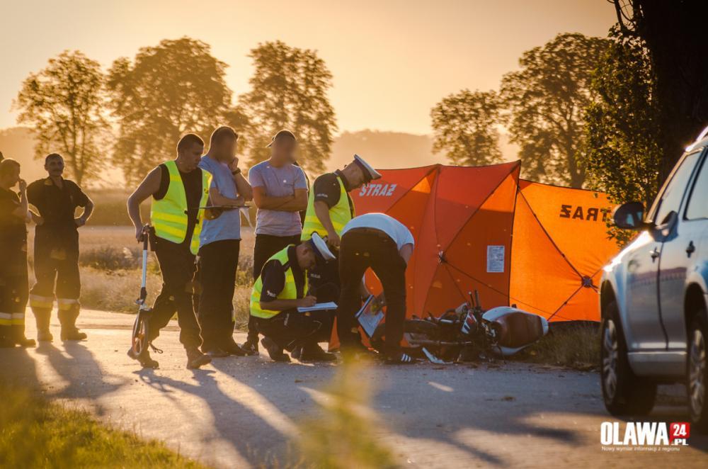 Wypadki drogowe, Tragiczny wypadek Owczarami żyje motocyklista - zdjęcie, fotografia