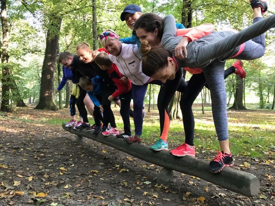 Bieganie, Rozpoczynają zajęcia ruchowe Dobry poranek - zdjęcie, fotografia