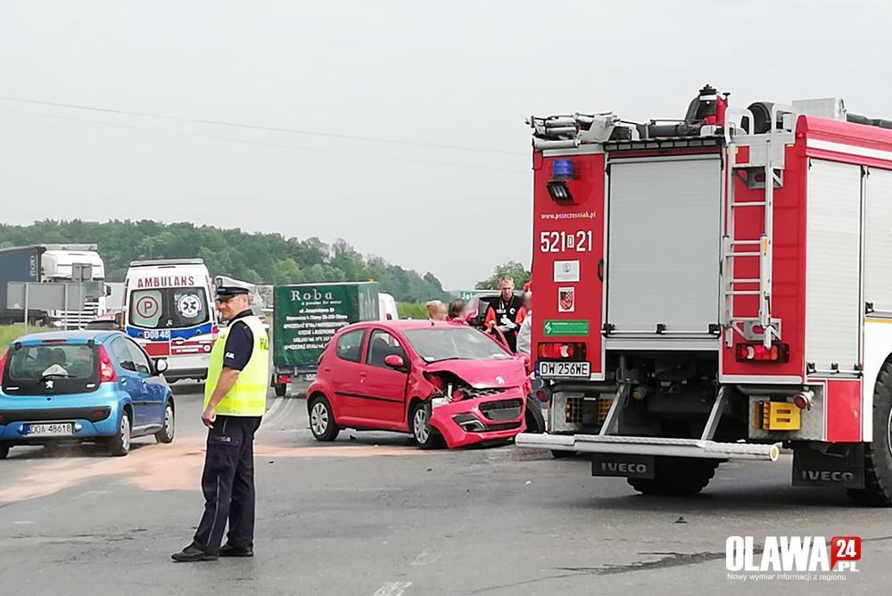 Wypadki drogowe, Wymuszenie skrzyżowaniu odbywa wahadłowo - zdjęcie, fotografia