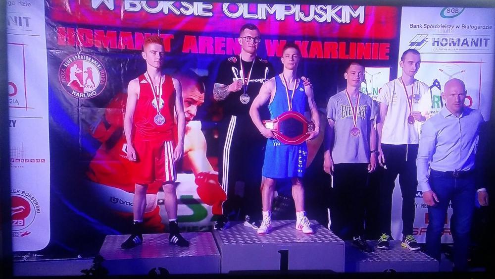 Sztuki walki, Mistrzostwa Polski Seniorów Boksie Wasyl Iskra podium - zdjęcie, fotografia