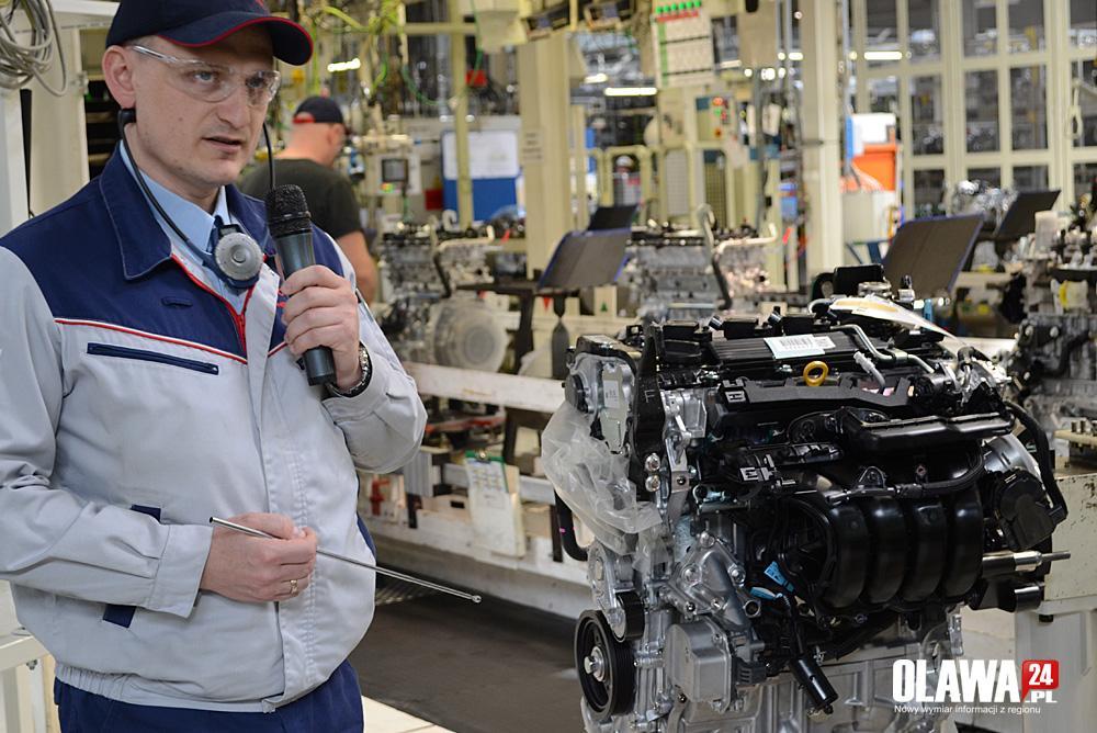 Biznes, Toyota ruszy produkcją nowoczesnych silników - zdjęcie, fotografia