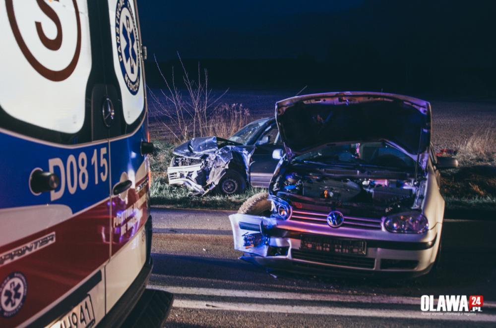 Wypadki drogowe, Jechał szybko uderzył czołowo - zdjęcie, fotografia