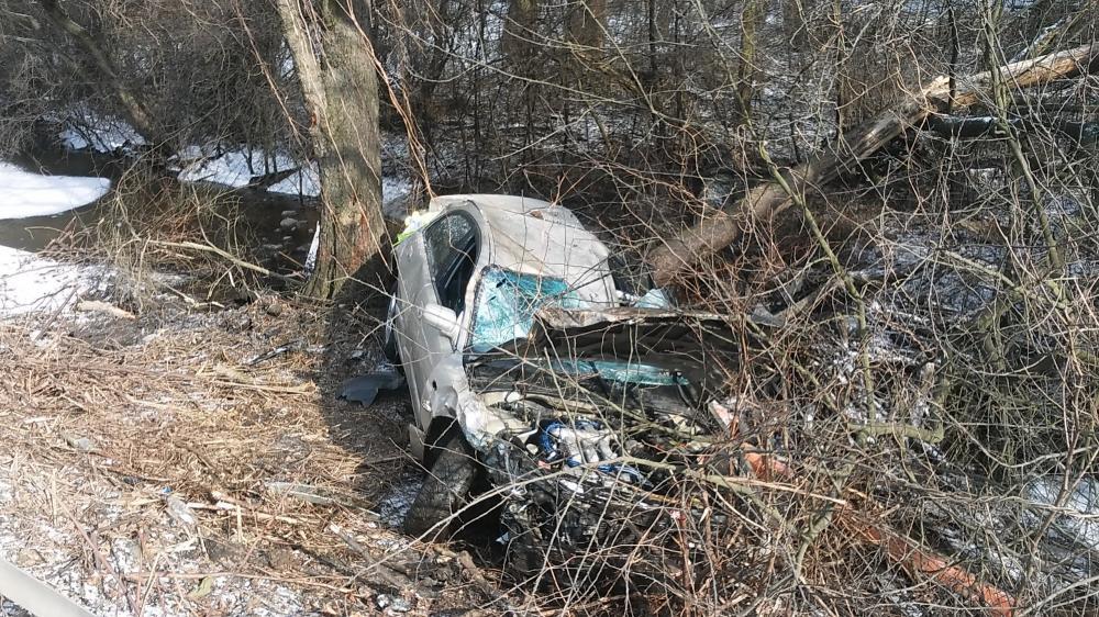 Wypadki drogowe, Pijana prowadziła samochód straciła panowanie dachowała - zdjęcie, fotografia