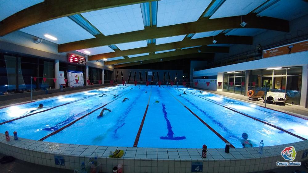 Pływanie, piąty Nocny Maraton - zdjęcie, fotografia