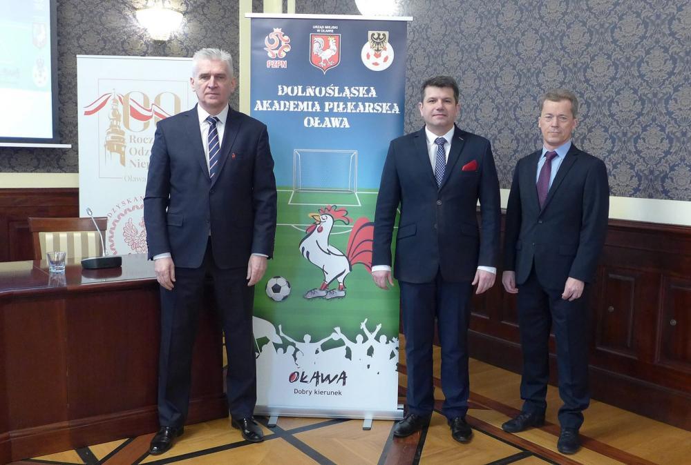 Piłka nożna, Oławie powstanie Dolnośląska Akademia Piłkarska - zdjęcie, fotografia
