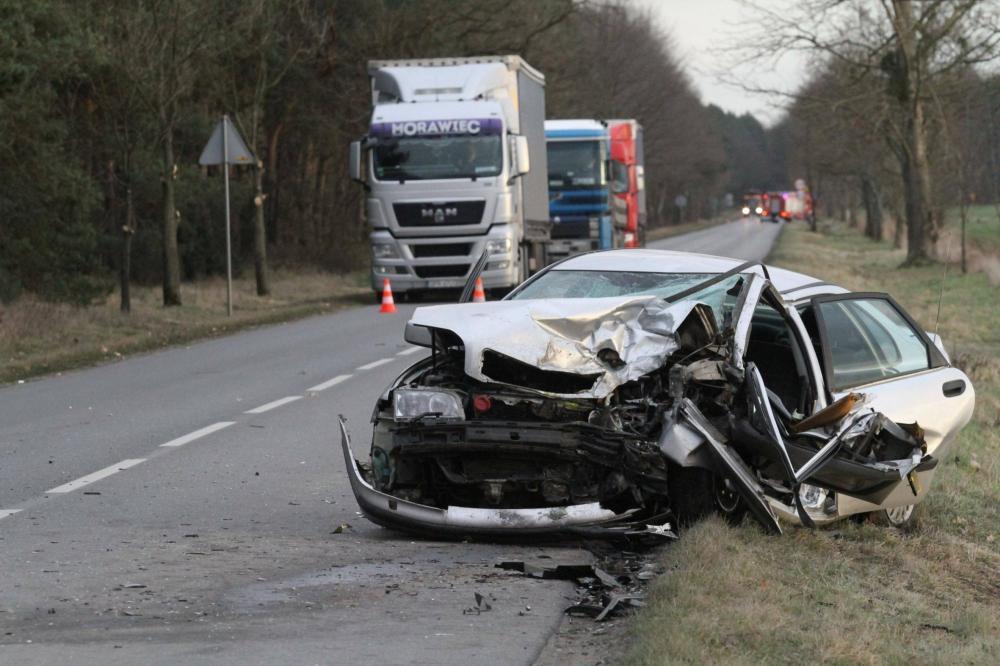 Wypadki drogowe, Groźny wypadek osoby szpitalu - zdjęcie, fotografia