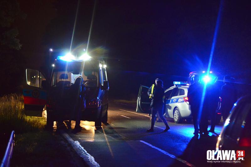 Wypadki drogowe, Niefortunnie wyszedł jezdnię został potrącony - zdjęcie, fotografia