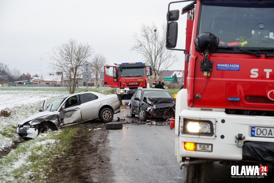 Wypadki drogowe, szybko zakręcie Sprawca prawa jazdy - zdjęcie, fotografia