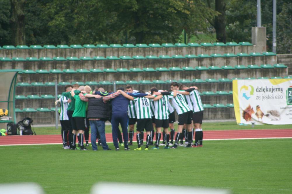 Piłka nożna, Łatwe zwycięstwo Jelcz Oława - zdjęcie, fotografia