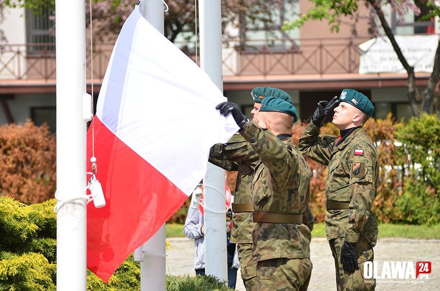 Święta, Oława świętuje Dzień Flagi - zdjęcie, fotografia