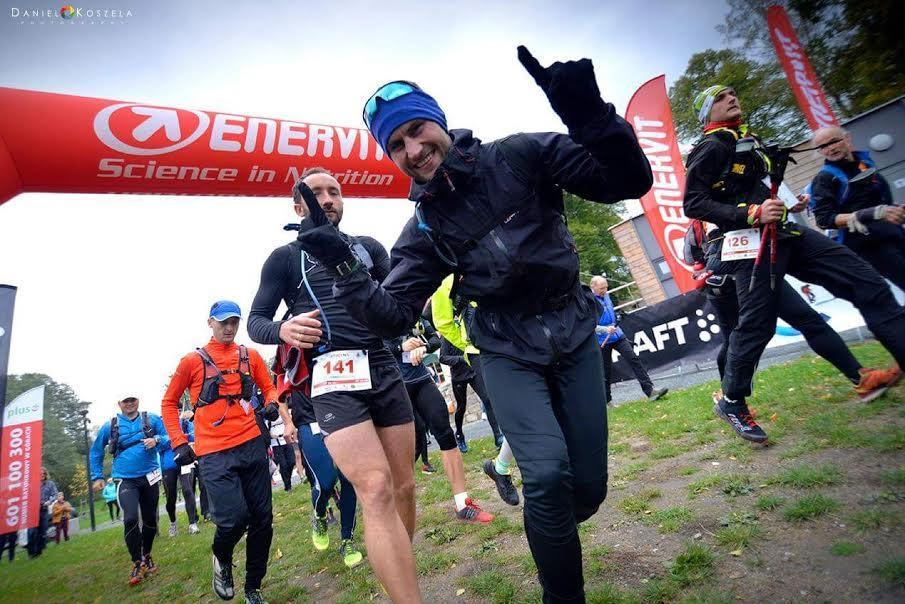 Bieganie, Oławianin Mateusz Kotwicki morderczym biegu Blanc - zdjęcie, fotografia