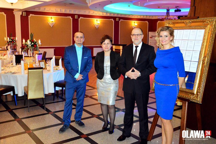 Partie polityczne, Charytatywny Zebrano złotych - zdjęcie, fotografia
