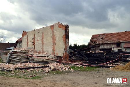 Mieszkańcy, Bystrzyca Stodoła gruzach kolejne zabudowania uszkodzone - zdjęcie, fotografia