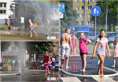 Mieszkańcy, gorąco! Kurtyny wodne chłodzą! - zdjęcie, fotografia