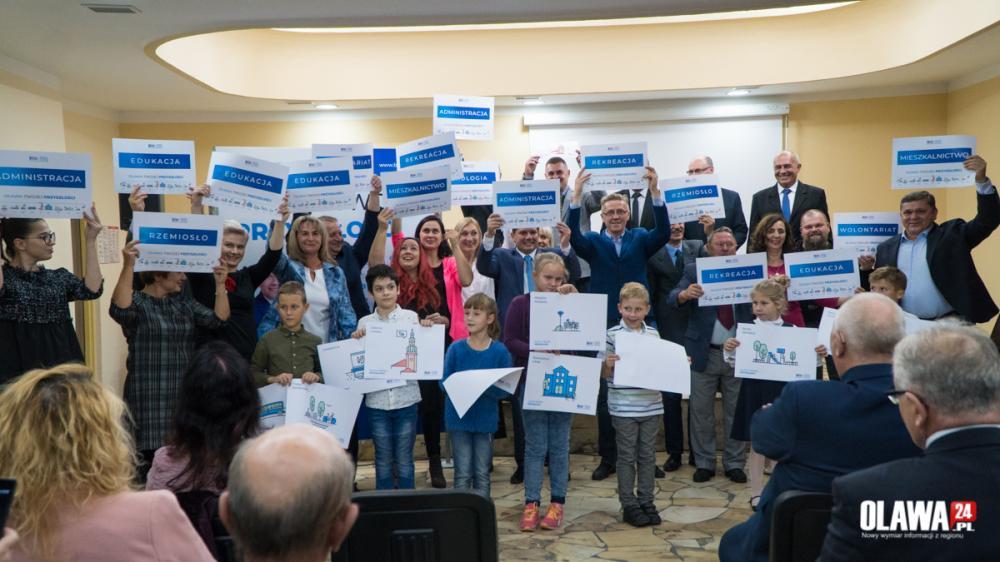 Wybory samorządowe, inwestować rozwijać budować - zdjęcie, fotografia