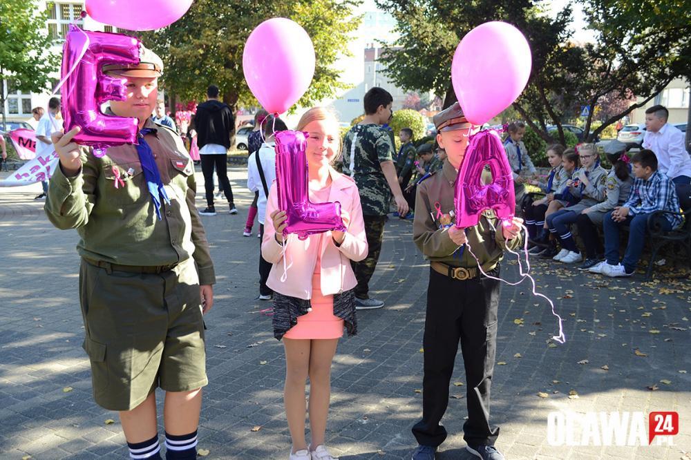 Mieszkańcy, Marsz walce rakiem piersi pamięcią Wojdyle - zdjęcie, fotografia