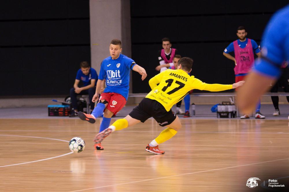 Futsal, Orzeł górą pierwszym wyjeździe Wygrywa Piastem Gliwice - zdjęcie, fotografia