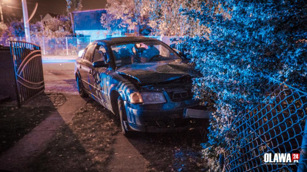 Wypadki drogowe, Pijany jechał lewą stroną uderzył samochód - zdjęcie, fotografia