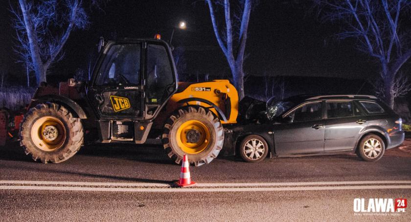 Wypadki drogowe, Pijany doprowadził kolizji - zdjęcie, fotografia