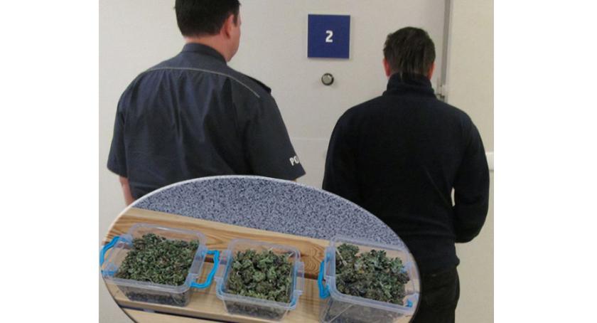 Kronika policyjna, Przewoził narkotyki pojemniku żywność - zdjęcie, fotografia