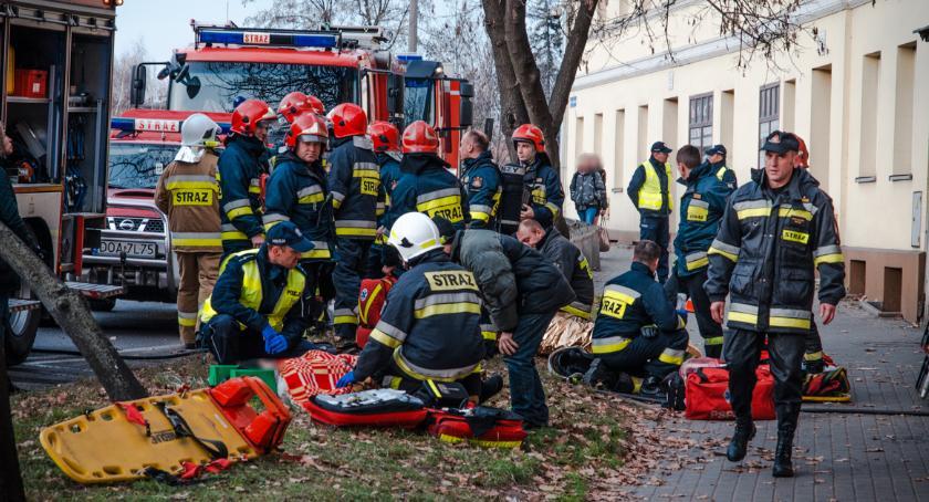 Pożary, Pożar mieszkania cztery osoby szpitalu - zdjęcie, fotografia