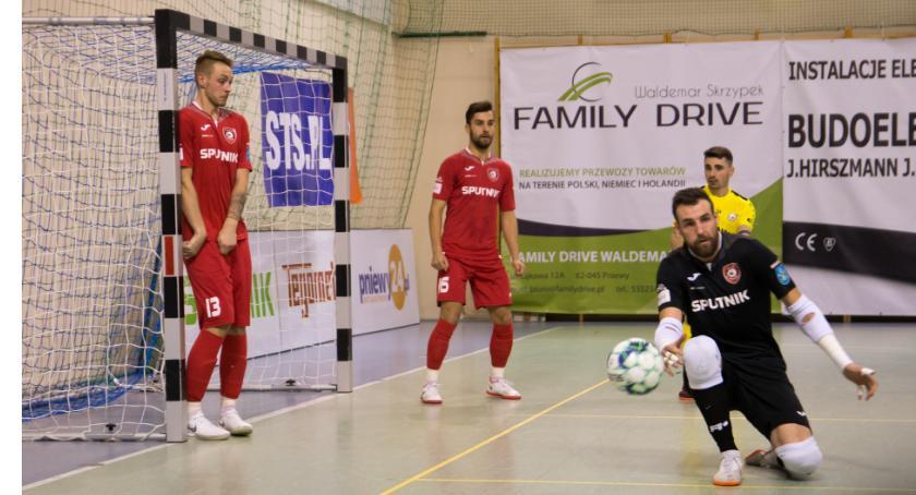 Futsal, Pastarsa wagę złota Orzeł zdobywa Pniewy pierwszy - zdjęcie, fotografia