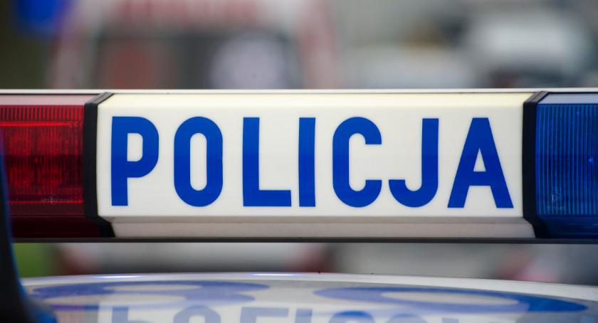 Kronika policyjna, Rzucał kamieniami samochód został zatrzymany narkotykami - zdjęcie, fotografia