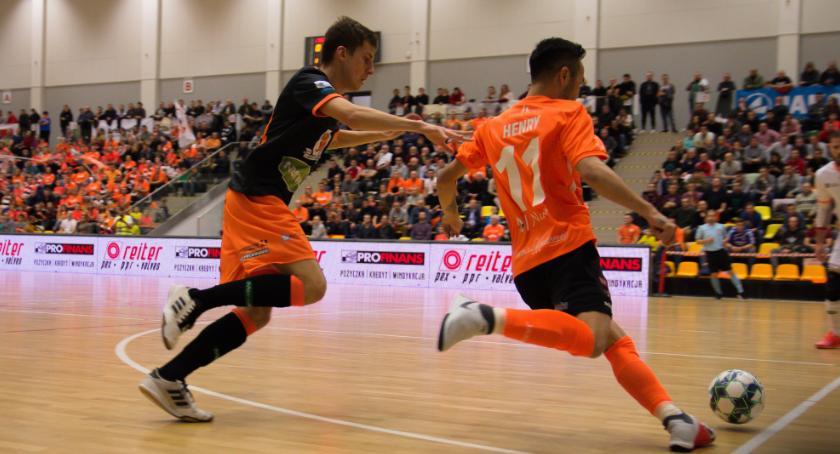 Futsal, Toruń minimalnie wygrywa Jelczu Laskowicach Orzeł kończy rundę podium - zdjęcie, fotografia