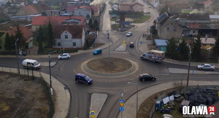 Gmina Jelcz-Laskowice, Mieszkańcy Miłoszyc doczekali ronda - zdjęcie, fotografia