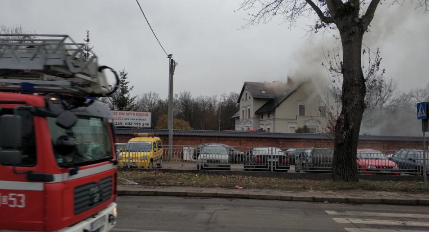 Pożary, Pożar wielorodzinnego - zdjęcie, fotografia