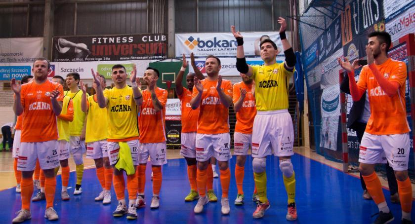 Futsal, Orzeł wraca tarczą trudnym Szczecinie - zdjęcie, fotografia