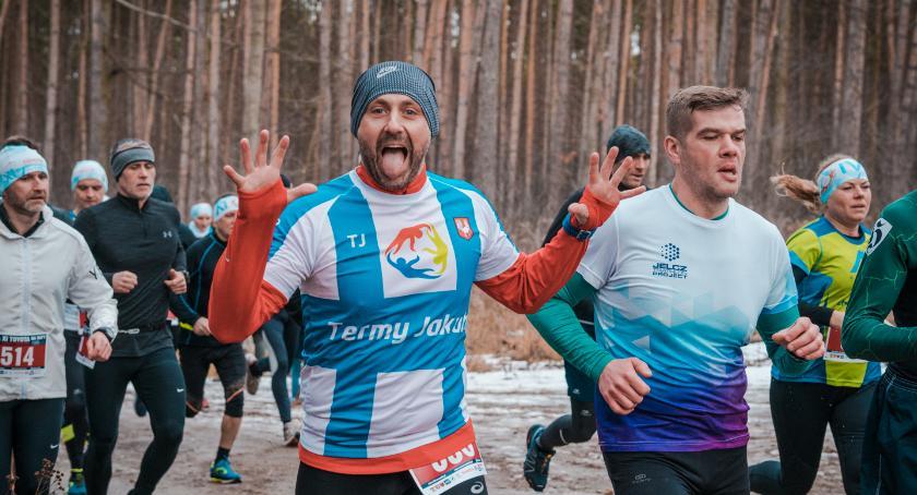 Bieganie, Bartosz Roskosz wygrywa Miłoszycach GALERIA - zdjęcie, fotografia