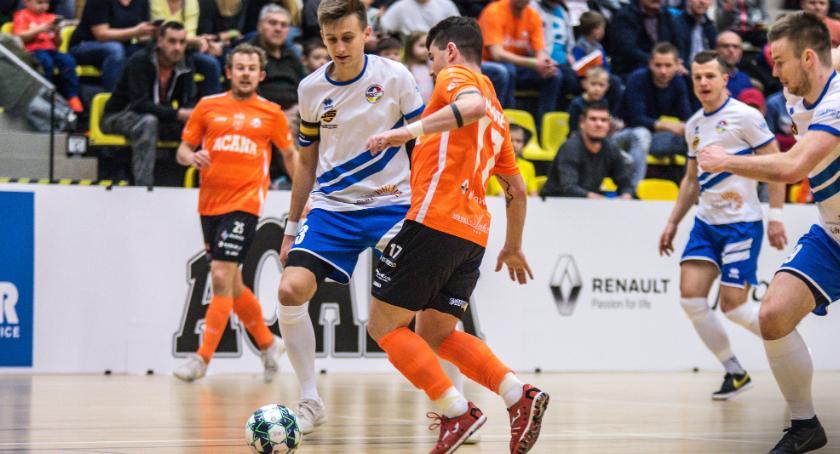 Futsal, Acana Orzeł dominuje zachowaniu czystego konta - zdjęcie, fotografia