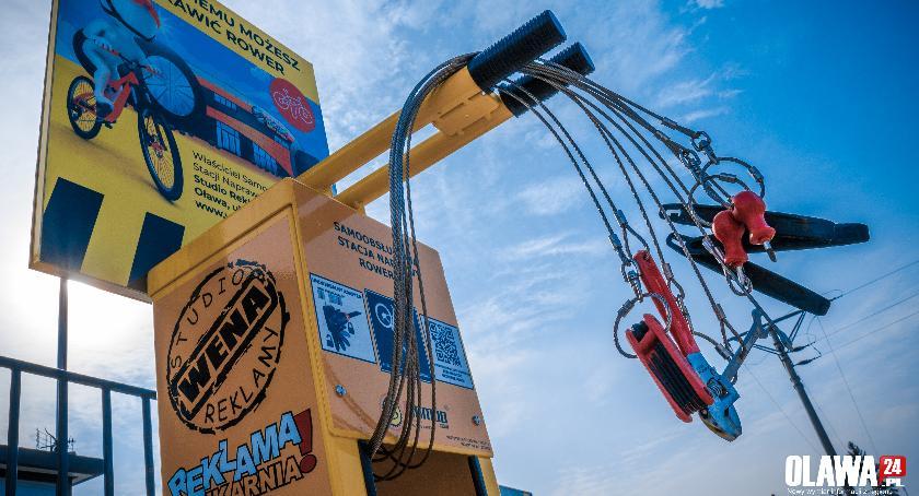 Mieszkańcy, Stacje naprawy rowerów działają - zdjęcie, fotografia